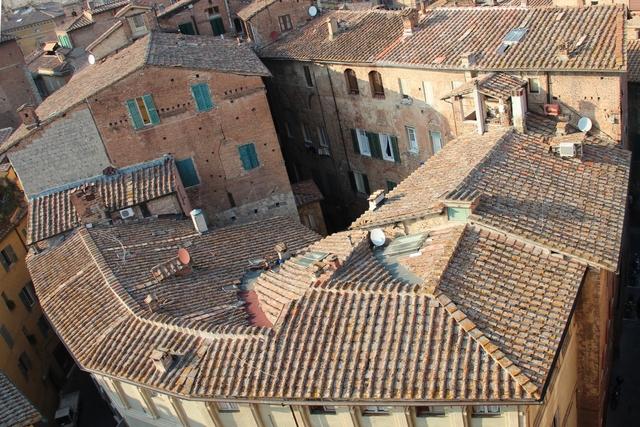 Siena wird eine unabhängige Stadt
