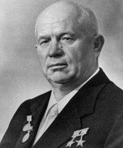 3.-Nikita Kruchev sucede a Stalin