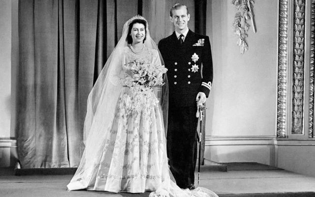 Isabel II contrae matrimonio