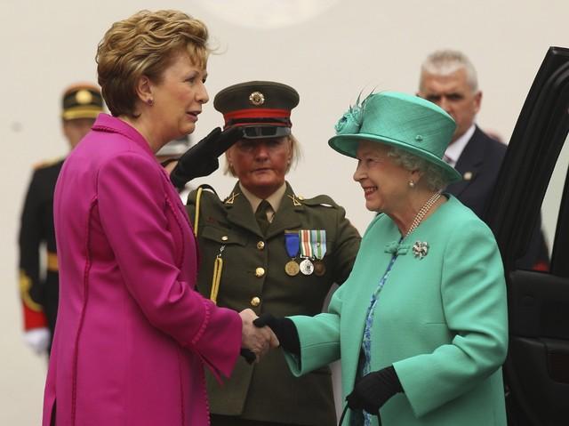 Isabel II hace su primera visita de Estado a la República de Irlanda