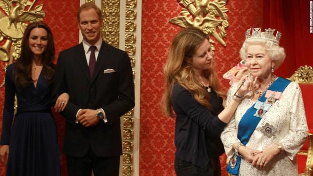 La reina es honrada con el premio inaugural a la vida y obra