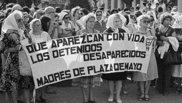 Fundación de la asociación Madres de Plaza de Mayo