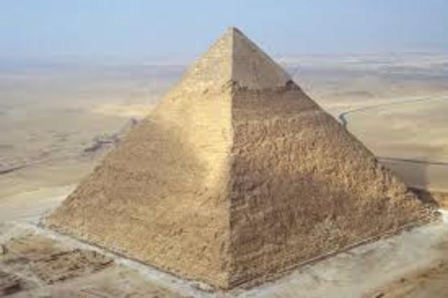 Bouw grootste piramide