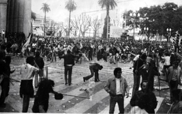 Enfrentamiento en Plaza de Mayo