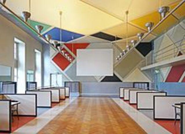 Renovation Tanzhaus L'Aubette von T.v.Doesburg
