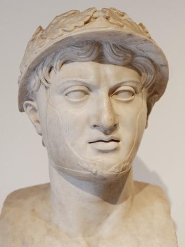 Pyrrhus born