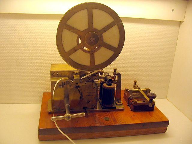 Telégrafo sin alambre ( Código morse)