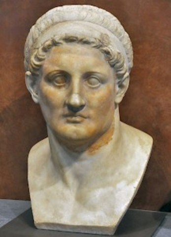 Pyrrhus arrives in Alexandria