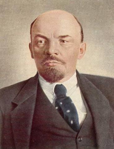 СТОЛИЦА С 1918 ГОДА - ГОРОД МОСКВА