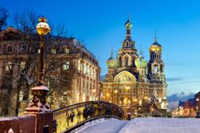 Peter I moved the capital of Russia to St. Petersburg.
