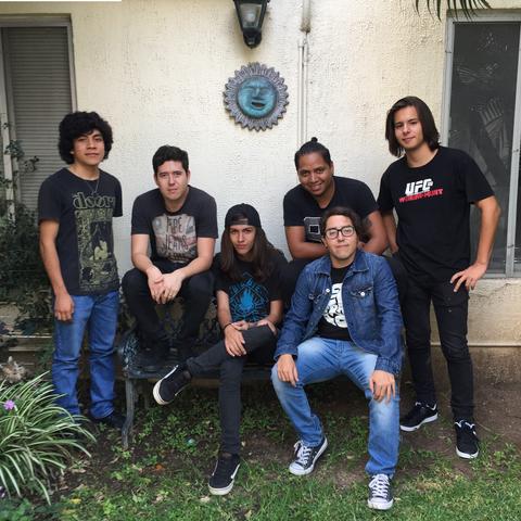 Mi propia banda y primer sencillo