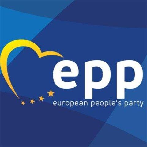 Európai Néppárt (EPP) tagja