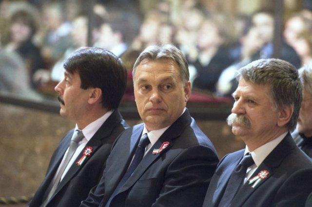 Pártelnök - Miniszterelnök