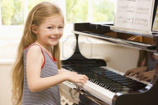 Carmen, she playing piano.