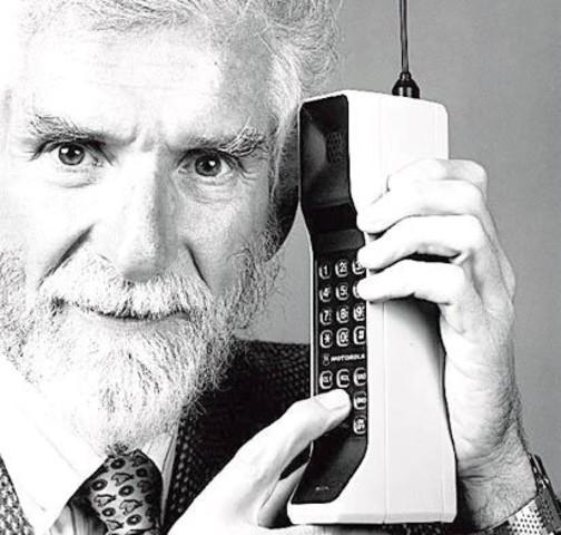 Primer llamada del teléfono movil.