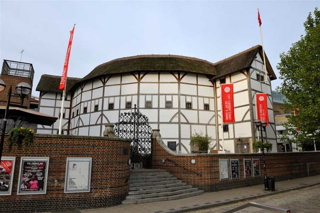 Globe Theater is Built