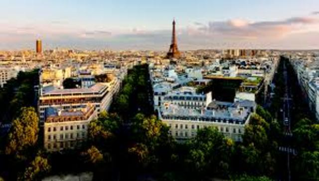 Paris Becomes Center of European Culture