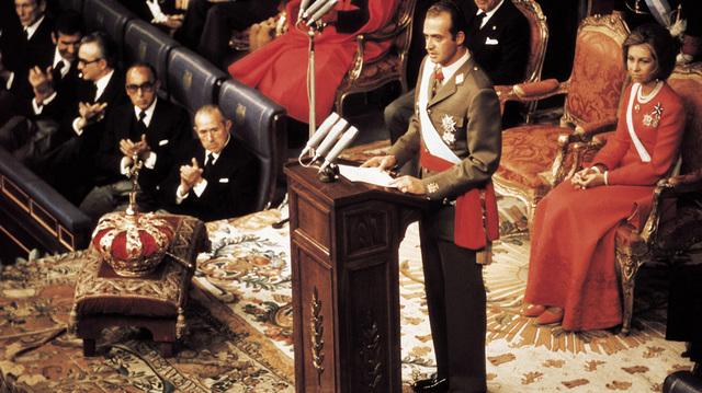 muerte de Franco y coronacion de Juan Carlos I