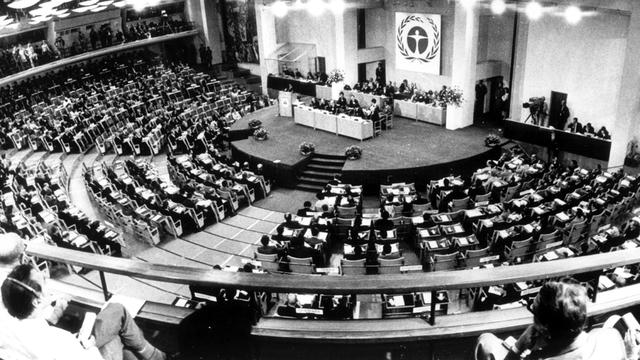 Realização da Conferência das Nações Unidas para o Meio Ambiente, Estocolmo, Suécia.