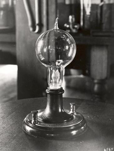 Thomas Edison Lights a Lamp