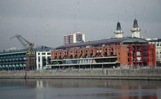 Dock 7 - Reciclaje de patrimonio Puerto Madero