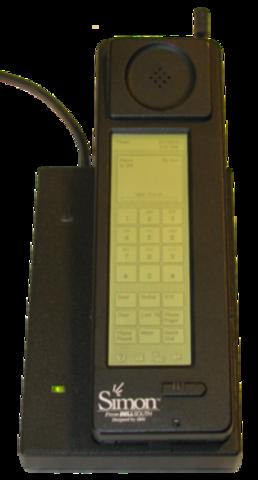 Primer teléfono inteligente.