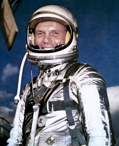 First US manned orbitial flight