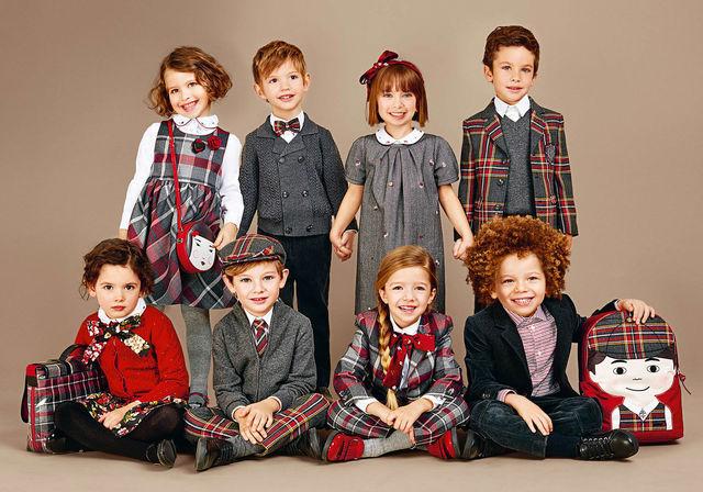 Коллекция одежды и обуви для детей D&G Junior.
