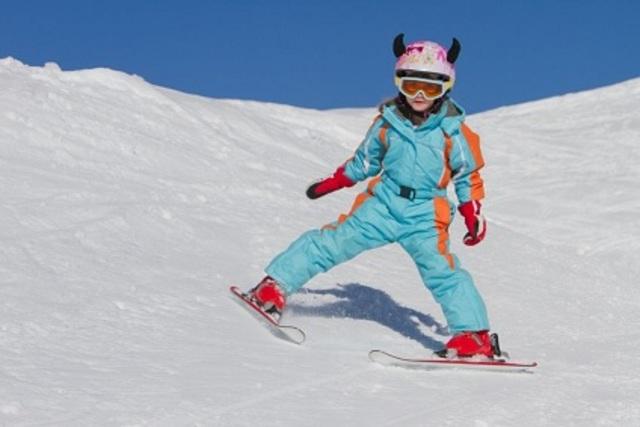 La primera baixada amb esquís