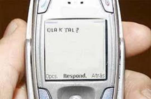Aparecen los mensajes de texto (sms).