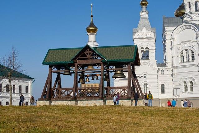 Закладка храма.
