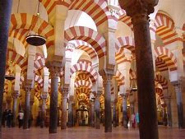 Disolución del Califato de Córdoba y división del territorio en los reinos de taifas