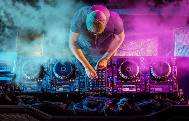 Música electrónica.