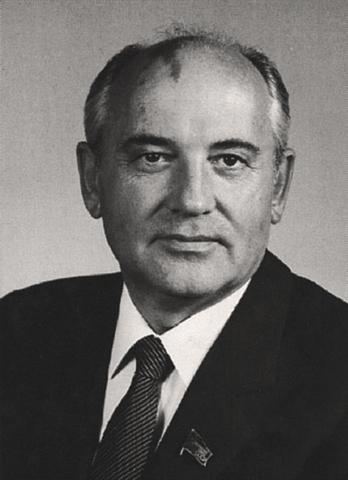 Gorbatsjov blir statsleder i Sovjetunionen