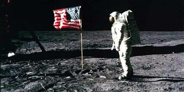 Armstrong, første menneske på månen