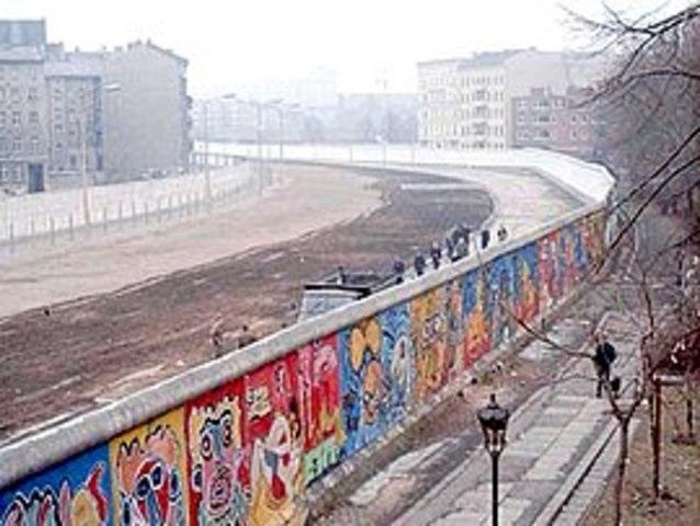 Berlinmuren revet