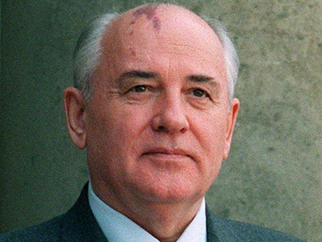 Gorbatsjov statsleder i Sovjet