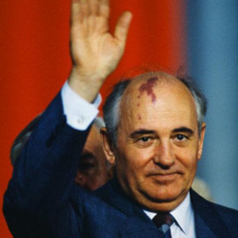 Gorbratsjov statsleder i Sovjet