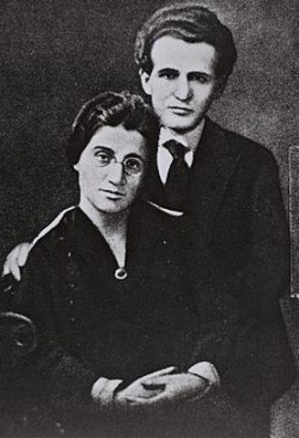 His marriage to Paula Munweis
