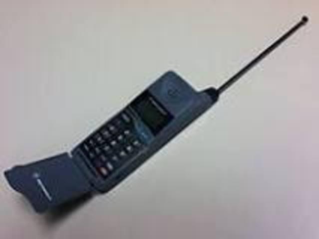 Flip Phones Make Their Appearance