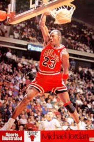 Michael Jordan 1990: 45 pts vs Celtics (72.4 fg%)