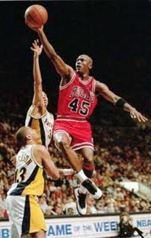 Michael Jordan 1987: 61 pts. Vs. Pistons