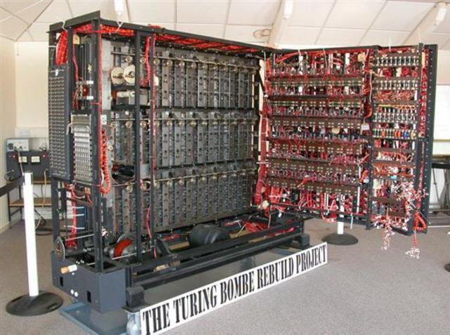 Alan Turing- La máquina Bombe.