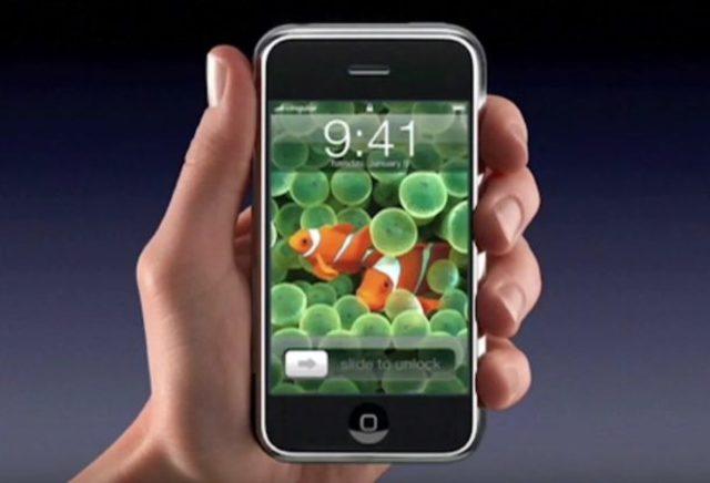 Steve Jobs- iPhone.