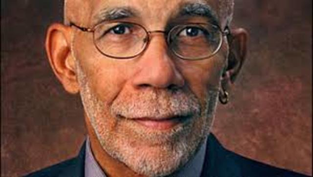 Ed Bradley, first African-American White House television correspondent