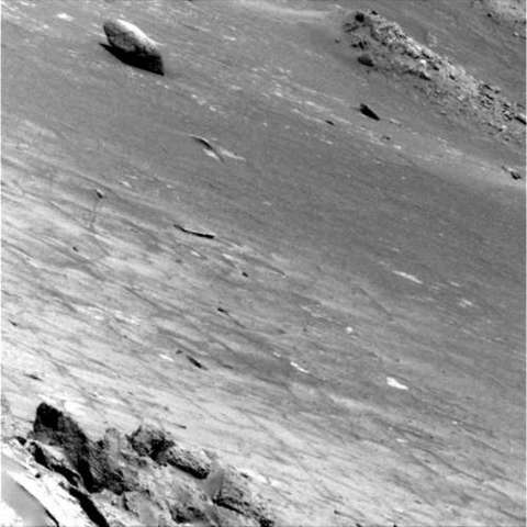 Opportunity's Right Panoramic Camera view of the surface on its way to the Meridiani Planum