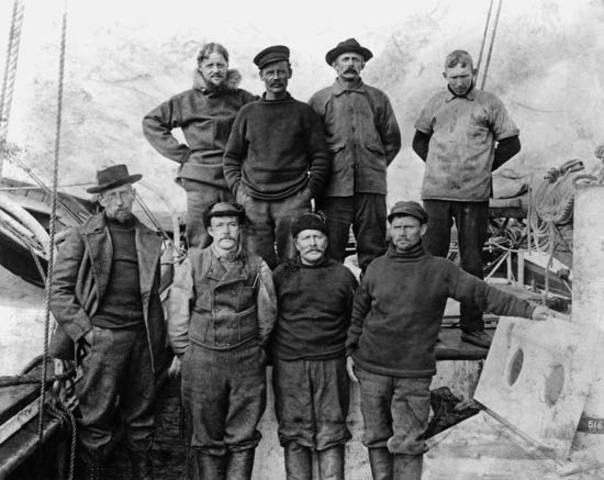 Amundsen and Crew arrived in Hobart.
