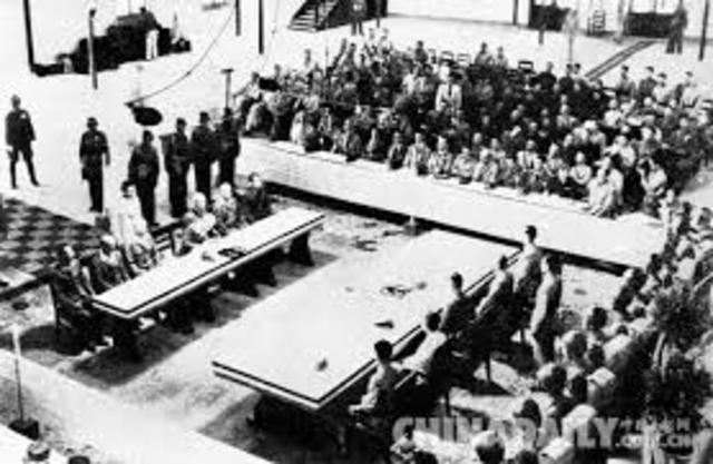 Japan formally surrenders in Chinese Theater