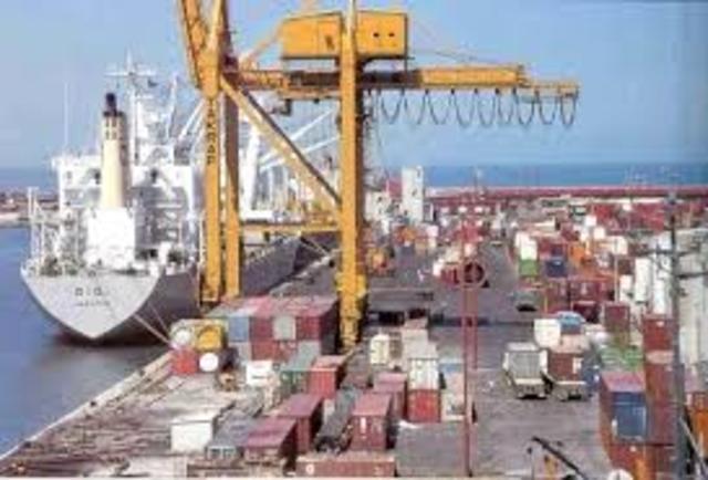 Primeras instalaciones portuarias.