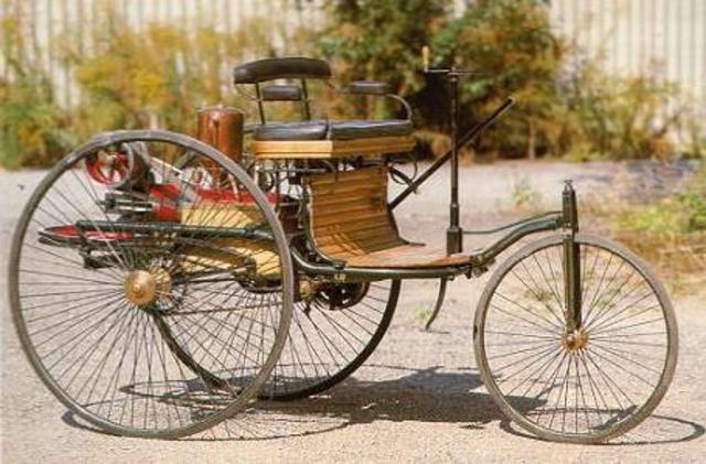 Primer automovil a gasolina